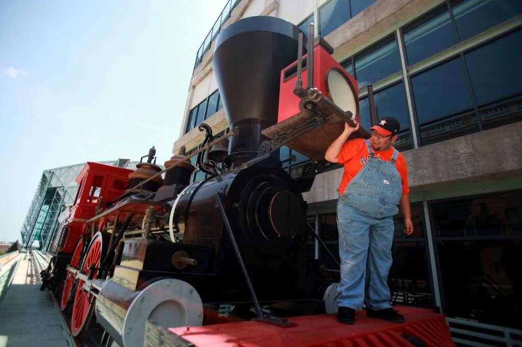 Thợ máy phụ (tàu hỏa)
