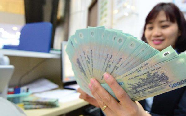 Khảo sát của PV báo Lao Động tại hơn 20 ngân hàng, mức lương trung bình cao nhất lên tới 33,5 triệu đồng/người/tháng.