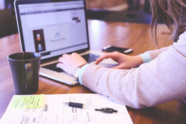 Top 5 website hỗ trợ tạo CV xin việc miễn phí hàng đầu hiện nay