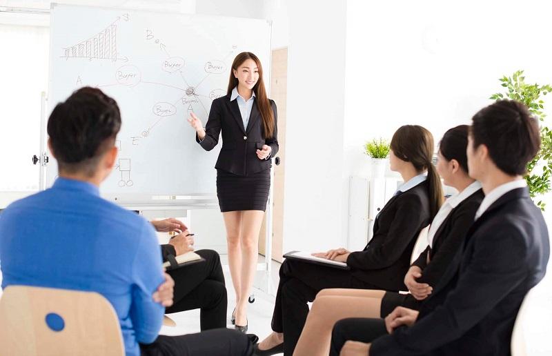 Những người phát triển sự nghiệp chắc chắn là người giao tiếp giỏi