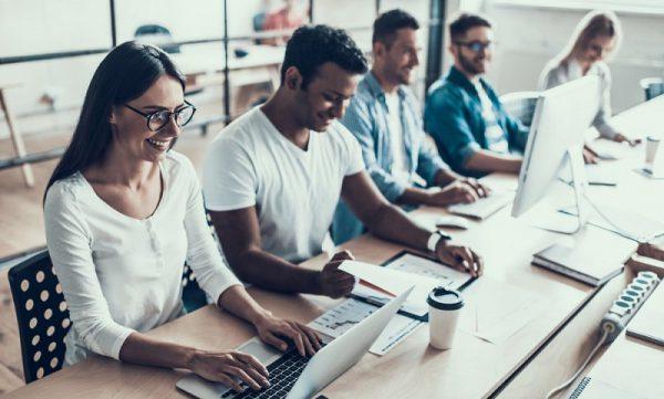 """Dự báo 4 nhu cầu tuyển dụng trong năm 2021: IT tiếp tục """"khát"""" nhân sự"""